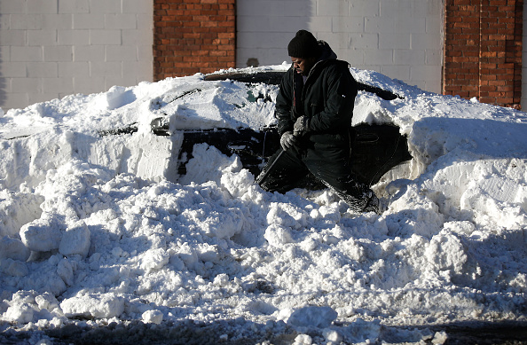 Detroit - Michigan「Detroit Area Walloped With Over A Foot Of Snow From Latest Winter Storm」:写真・画像(17)[壁紙.com]