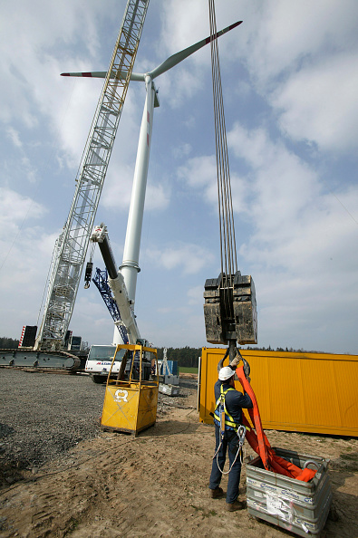 Construction Equipment「Germany Continues To Invest In Wind Energy」:写真・画像(0)[壁紙.com]