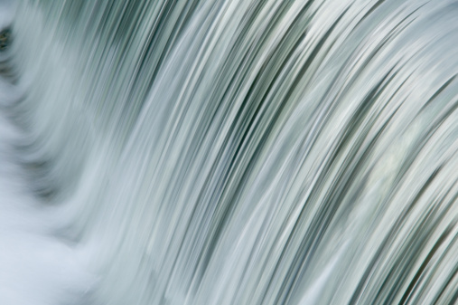 滝「Waterfall, Kyoto, Honshu, Japan, close-up」:スマホ壁紙(3)
