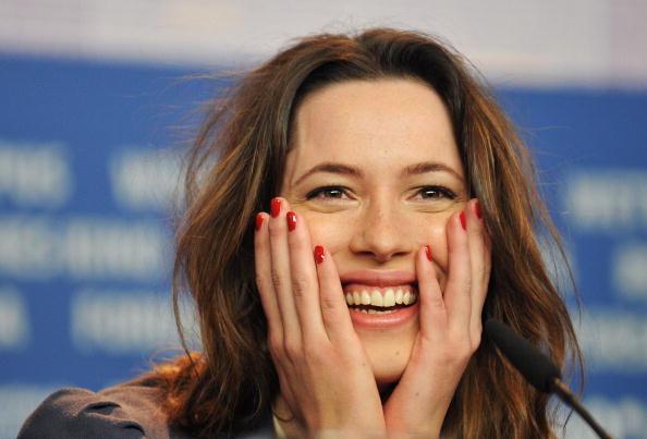 Rebecca Hall「60th Berlin Film Festival - Please Give - Photocall」:写真・画像(5)[壁紙.com]