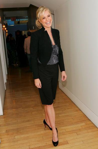 Cropped Pants「MTV TRL With Rebecca Romijn」:写真・画像(18)[壁紙.com]