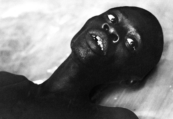 Romano Cagnoni「Suffering In Biafra」:写真・画像(16)[壁紙.com]