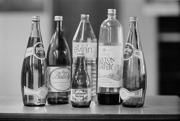 Bottle「Glass Water Bottles」:写真・画像(19)[壁紙.com]