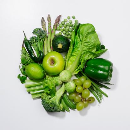 Asparagus「A selection of green fruits & vegetables.」:スマホ壁紙(18)