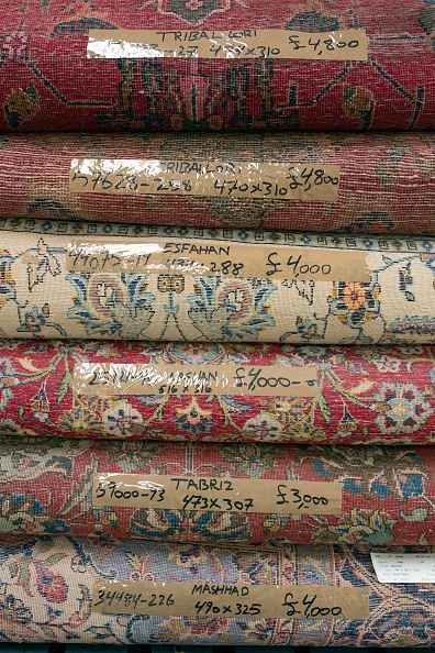 Finance and Economy「Oriental Rug Specialist Displays Hand Knotted Carpets」:写真・画像(13)[壁紙.com]