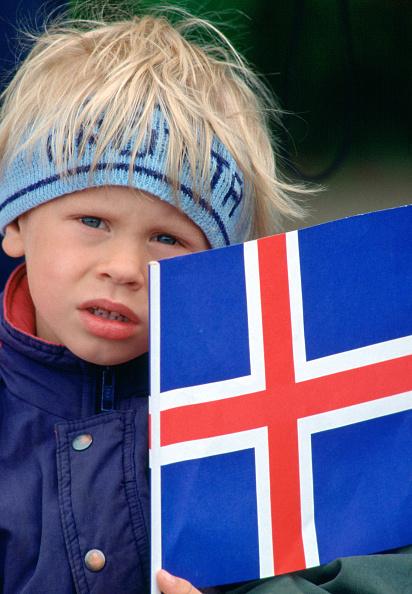 12-13 Years「Boy Holding Flag of Iceland」:写真・画像(19)[壁紙.com]