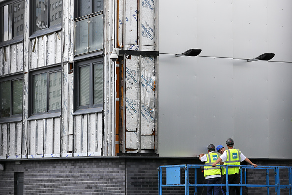 Absence「60 Tower Blocks Across England Fail Cladding Fire Tests」:写真・画像(2)[壁紙.com]