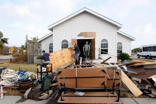 Hurricane Ike「Coastal Texas Faces Heavy Damage After Hurricane Ike」:写真・画像(15)[壁紙.com]