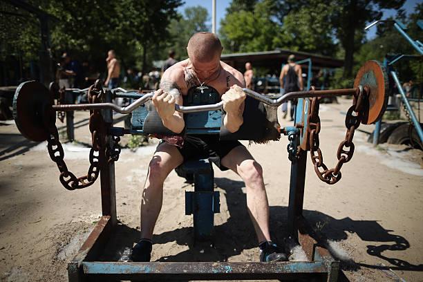 Kiev's Soviet Style Kachalka Gym:ニュース(壁紙.com)