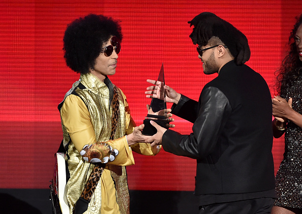 Singer「2015 American Music Awards - Show」:写真・画像(10)[壁紙.com]