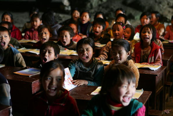 Middle Class「Remote Community Houses School In Cave」:写真・画像(14)[壁紙.com]