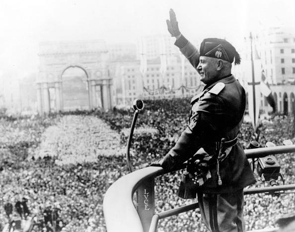 Speech「Mussolini And Crowd」:写真・画像(2)[壁紙.com]