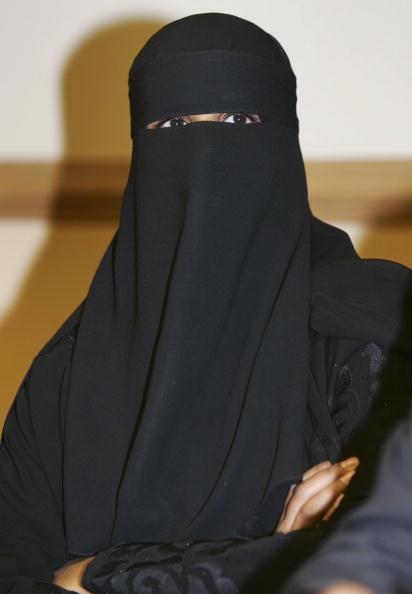Nikab「Muslim Teacher Wins Victimisation Tribunal」:写真・画像(10)[壁紙.com]