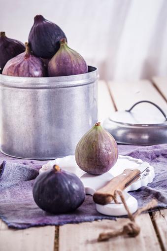 イチジク「Fresh figs」:スマホ壁紙(0)