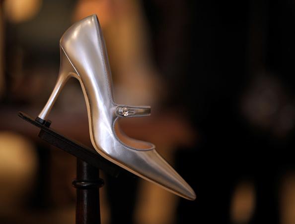 "Manolo Blahnik - Designer Label「Manolo Blahnik Unveils Official Stiletto For Broadway's ""Priscilla Queen Of The Desert""」:写真・画像(15)[壁紙.com]"