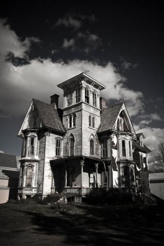 Evil「Old haunted house」:スマホ壁紙(16)