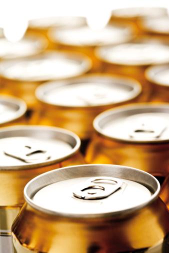 Beer「Beer cans」:スマホ壁紙(17)