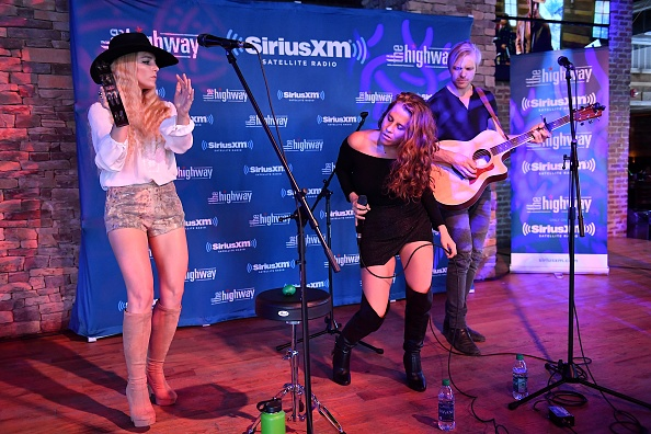 Stage - Performance Space「SiriusXM's The Highway Broadcasts Live During The Solar Eclipse In Nashville Featuring A Live Performance By Delta Rae At The FGL House」:写真・画像(1)[壁紙.com]