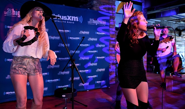 Stage - Performance Space「SiriusXM's The Highway Broadcasts Live During The Solar Eclipse In Nashville Featuring A Live Performance By Delta Rae At The FGL House」:写真・画像(10)[壁紙.com]