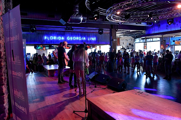 Stage - Performance Space「SiriusXM's The Highway Broadcasts Live During The Solar Eclipse In Nashville Featuring A Live Performance By Delta Rae At The FGL House」:写真・画像(2)[壁紙.com]