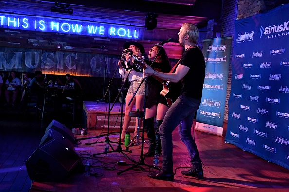 Stage - Performance Space「SiriusXM's The Highway Broadcasts Live During The Solar Eclipse In Nashville Featuring A Live Performance By Delta Rae At The FGL House」:写真・画像(15)[壁紙.com]