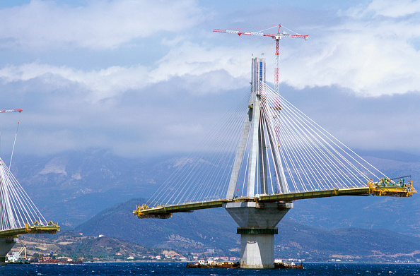 Finance and Economy「Spans growing in balance on the cable stay Rion-Antirion bridge in Greece」:写真・画像(6)[壁紙.com]