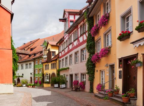 Charming「Meersburg - Medieval Tourist Town」:スマホ壁紙(4)