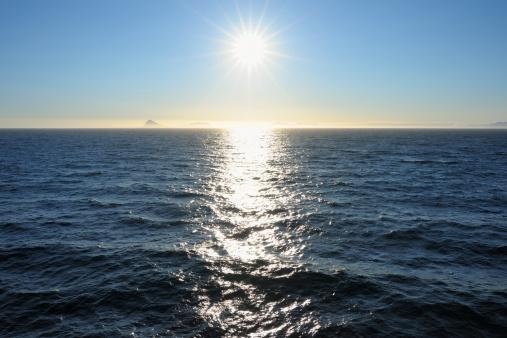 反射「Sun over Sea」:スマホ壁紙(19)