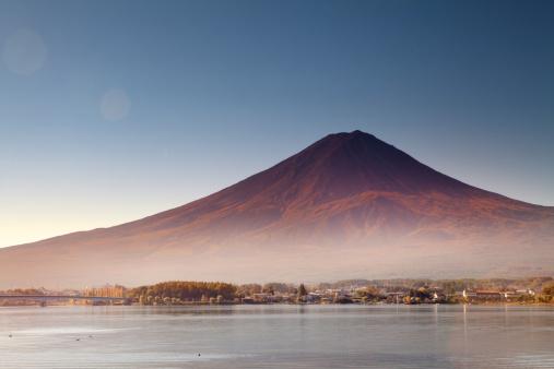 Active Volcano「Lake Kawaguchiko and Mt. Fuji, at sunrise」:スマホ壁紙(0)