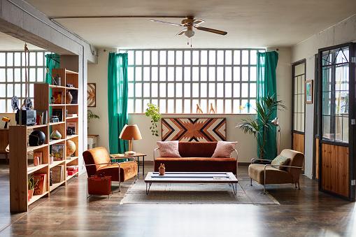 Ceiling Fan「Modern Apartment With Hardwood Floor and Simple Decor」:スマホ壁紙(3)