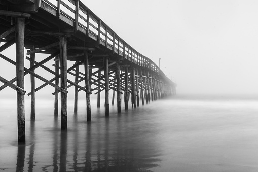 Wooden Post「Pier in the Fog」:スマホ壁紙(11)