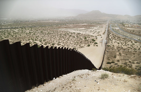 Mexico「Swelling Numbers Of Migrants Overwhelm Southern Border Crossings」:写真・画像(1)[壁紙.com]