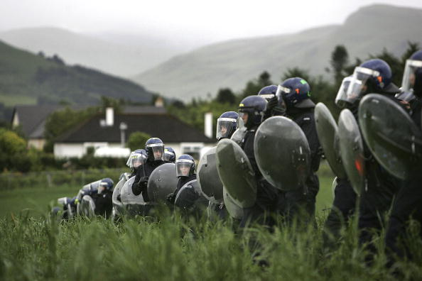Side By Side「Disturbances Continue To Erupt Around Gleneagles G8 Summit」:写真・画像(14)[壁紙.com]