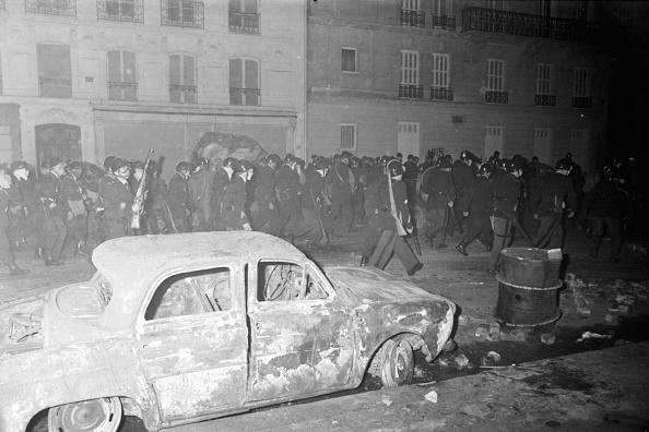 Reg Lancaster「French Riots」:写真・画像(8)[壁紙.com]