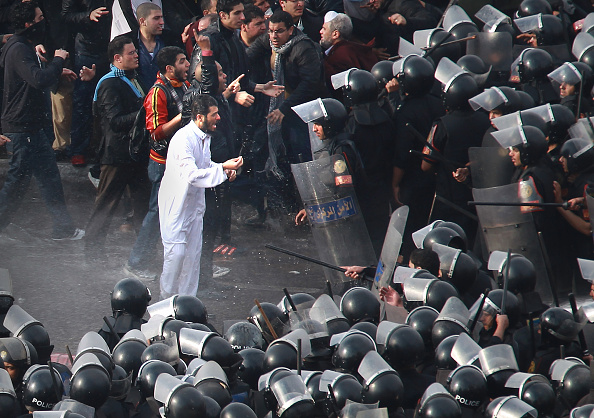 Anti-Government「Anti Government Protesters Take To The Streets In Cairo」:写真・画像(10)[壁紙.com]