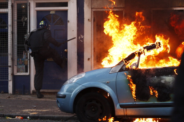 car「Riots And Looting Continues Across London」:写真・画像(18)[壁紙.com]