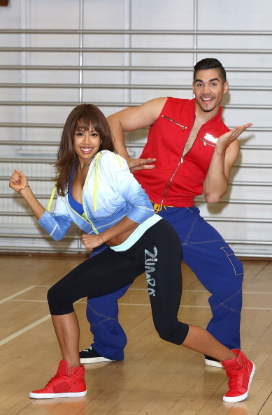 あん馬「Zumba Fitness Great Calorie Drive - Photocall」:写真・画像(15)[壁紙.com]