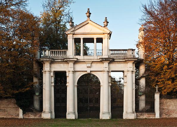 Ornamental Garden「Villa Pisani」:写真・画像(12)[壁紙.com]