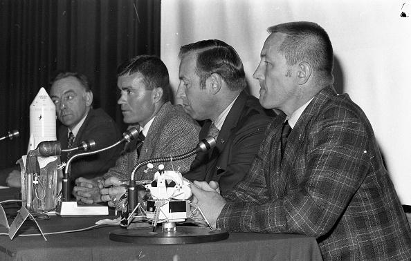 Space Mission「Apollo XIII Astronauts」:写真・画像(11)[壁紙.com]