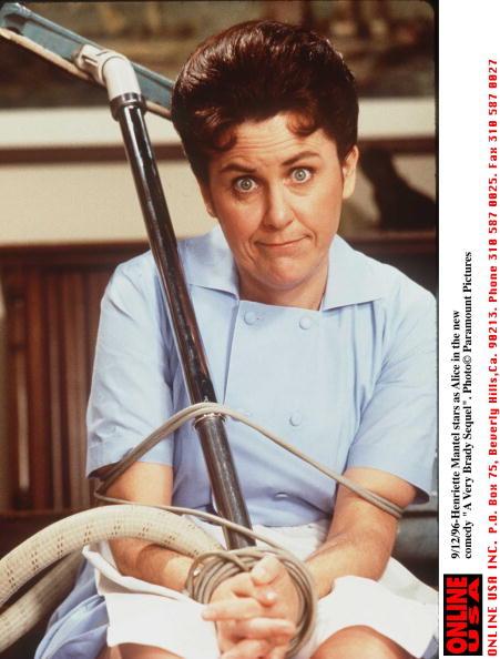 "Mantelpiece「9/12/96-Henriette Mantel as Alice in the new comedy ""A very Brady Sequel""」:写真・画像(2)[壁紙.com]"