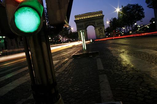 Arc de Triomphe - Paris「Green light on the Champs Elysees」:スマホ壁紙(5)