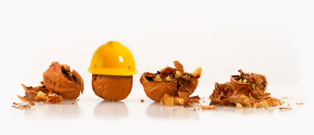 胡桃「ウォルナッツのハード帽子の着用横の砕いたナッツ類」:スマホ壁紙(11)