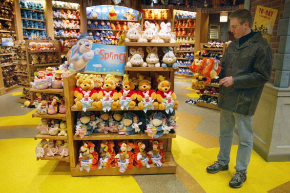 ミッキーマウス「Disney Plans To Sell Stores And Mighty Ducks」:写真・画像(0)[壁紙.com]