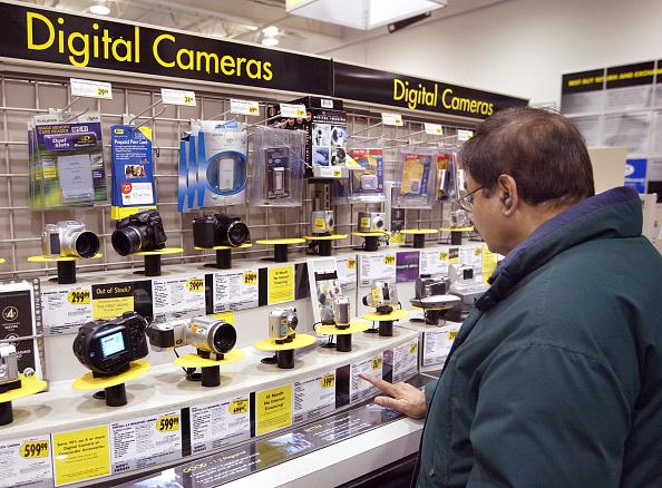 Tim Boyle「Electronics Are The Big Items This Holiday Shopping Season」:写真・画像(1)[壁紙.com]