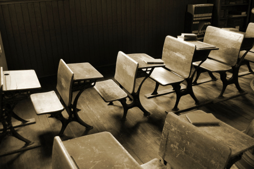 Auto Post Production Filter「Vintage  Classroom in Sepia」:スマホ壁紙(5)