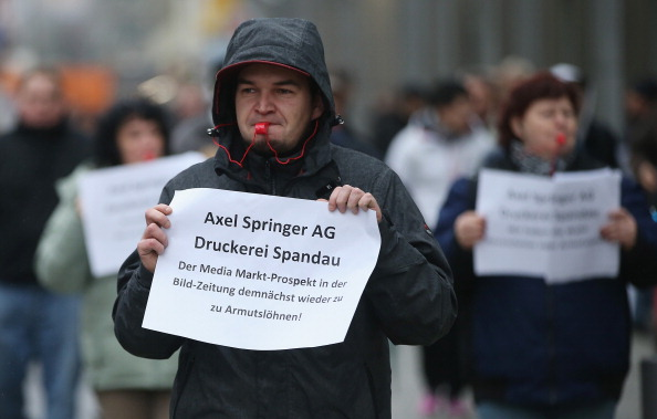 Corporate Business「Axel Springer Printing Press Workers Protest Wage Policy」:写真・画像(9)[壁紙.com]