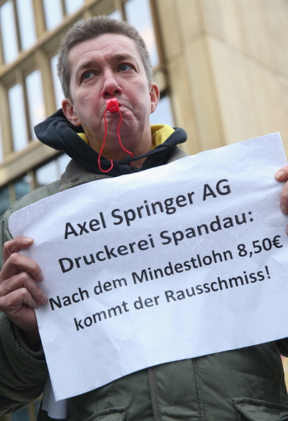 Corporate Business「Axel Springer Printing Press Workers Protest Wage Policy」:写真・画像(8)[壁紙.com]