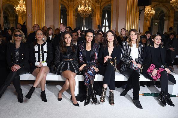 アンジェラ リンドヴァル「Balmain : Front Row - Paris Fashion Week Womenswear Fall/Winter 2018/2019」:写真・画像(1)[壁紙.com]