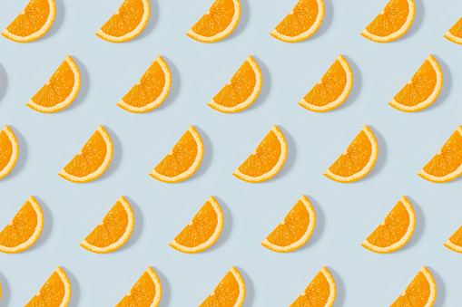 Orange - Fruit「Orange Slice Pattern on Blue Background」:スマホ壁紙(15)