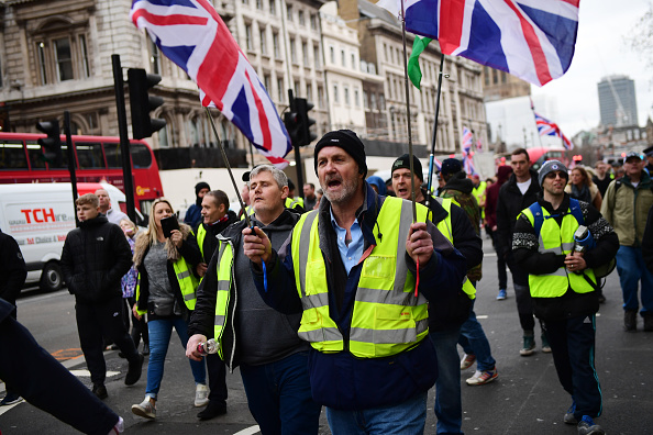 Yellow「Demonstrators Wearing Yellow Vests Protest In Central London」:写真・画像(18)[壁紙.com]